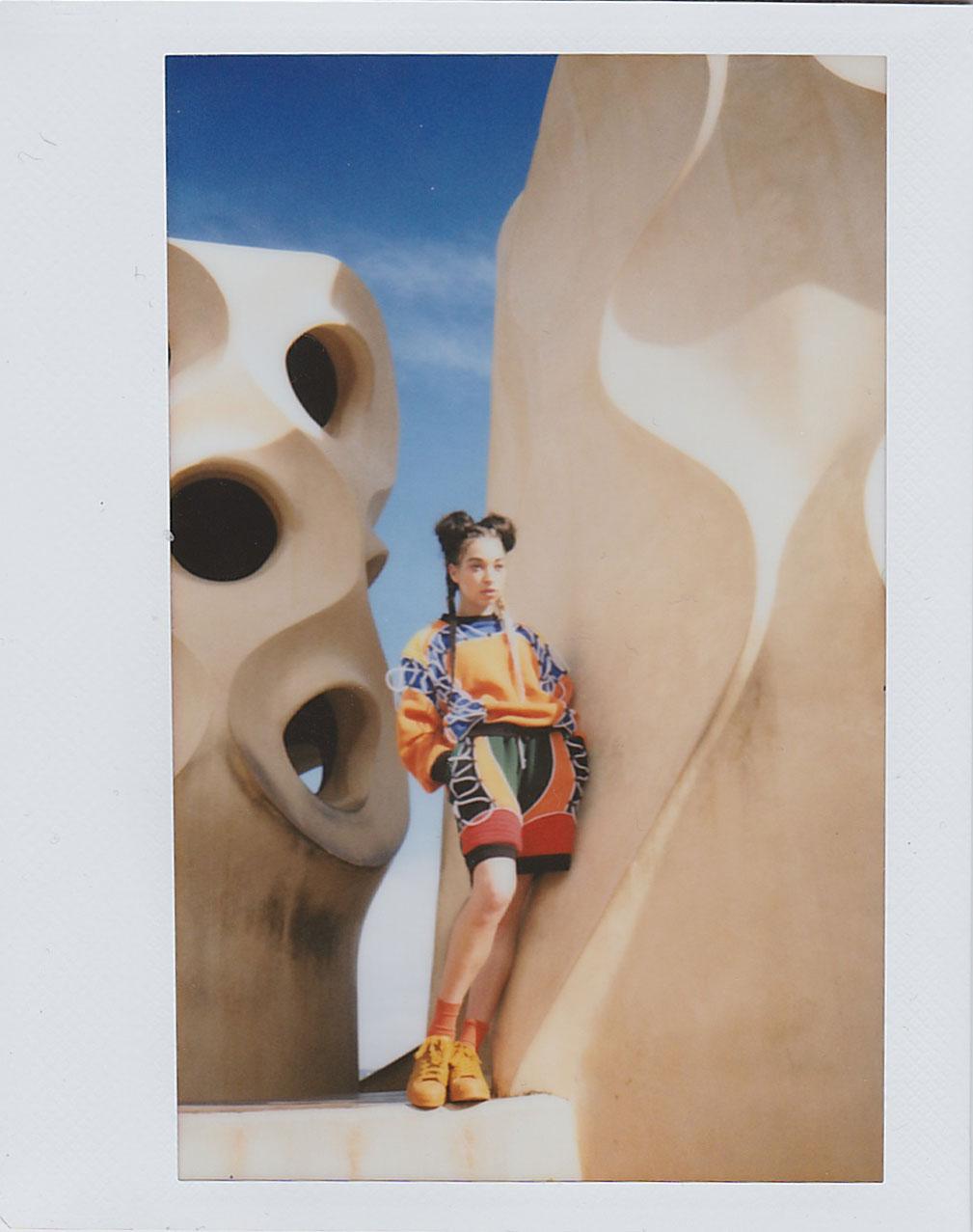 BLONDE-Barcelona-Style-Editorial-Polaroid-6