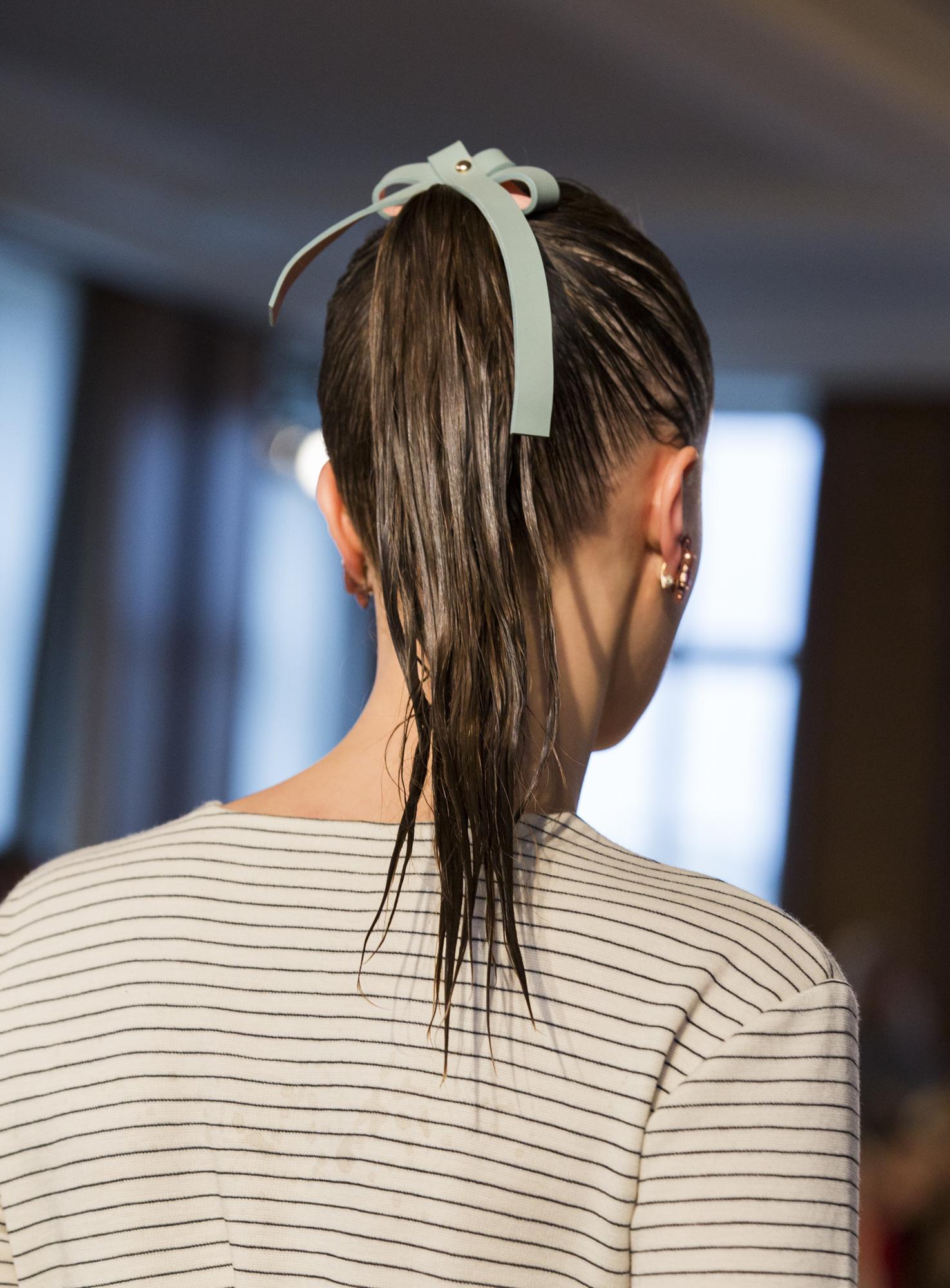 Wella Professionals als Haarpartner für Marina Hoermanseder beim DER BERLINER MODE SALON auf der Berlin Fashion Week am 21.1.2016. Foto: Gero Breloer für WELLA