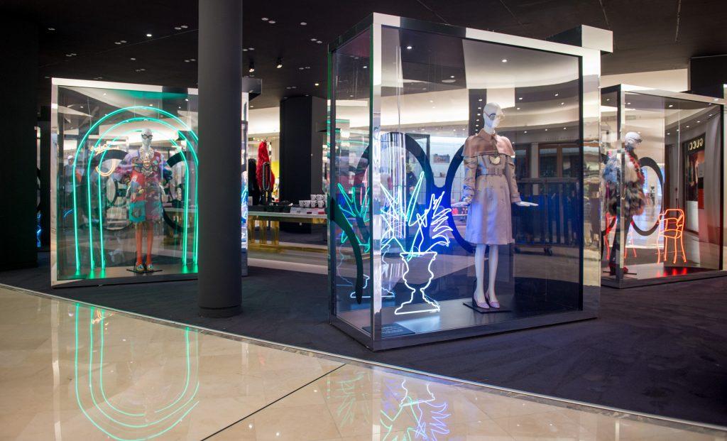 Expo Iris in Paris Bon Marche Rive Gauche copyright Gabriel de la Chapelle HD-3