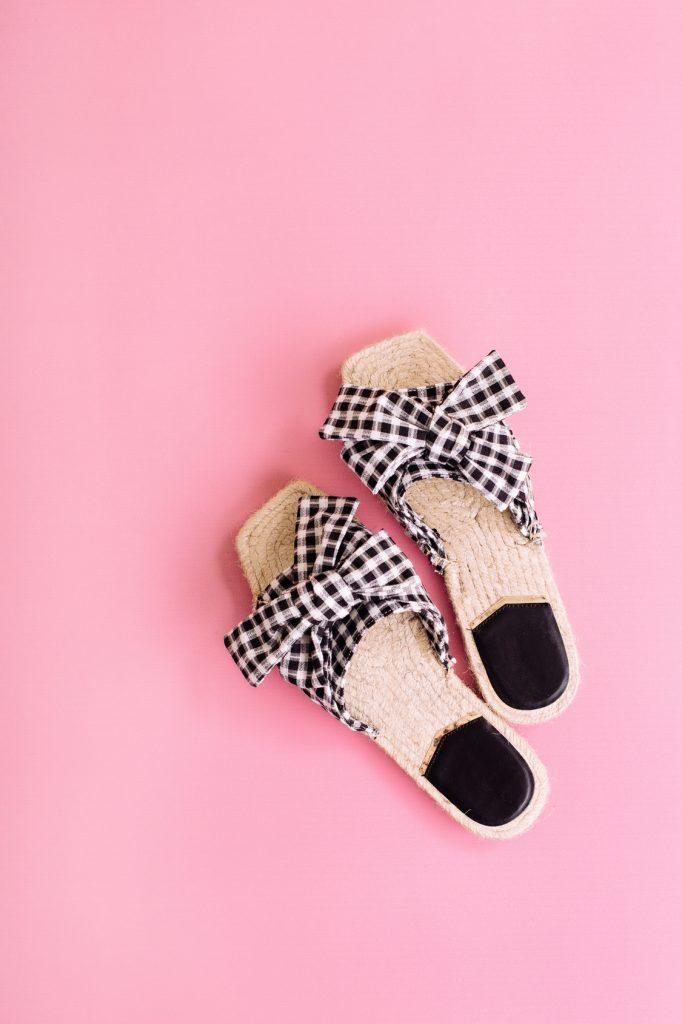Schuhe an und los gehts. Diesen Sommer ganz einfach! @fotolia: #156157102 | Urheber: anidimi