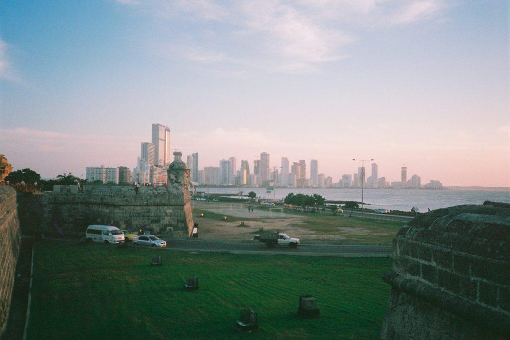 Kolumbien-Cartagena-Stadtmauer-Skyline-Reisen-Travelguide