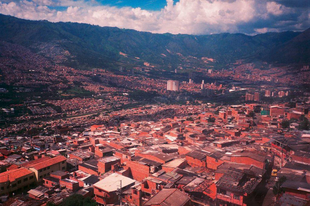 Kolumbien-Medellin-Großstadt-Travelguide-Reise-Suedamerika