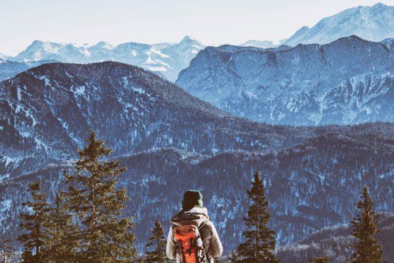 hanna-viellehner-unsplash-Berge-Wandern-Bayern-Trekking-Natur-Ausflug