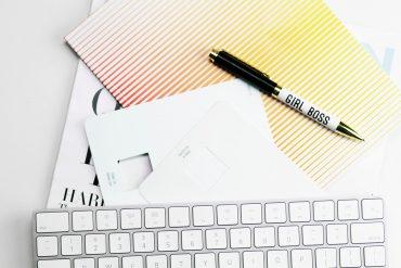 in-bossmode-unsplash-girlboss-büro-selbstständig-startup-gründen-gründerin